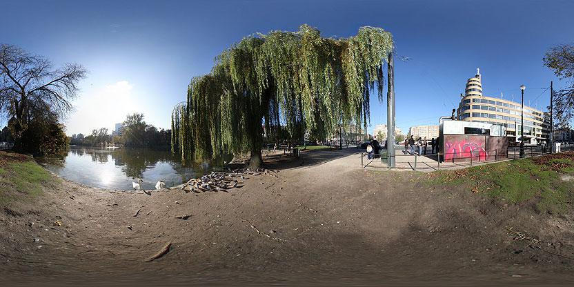 Les étangs d'Ixelles vus de la Place Flagey