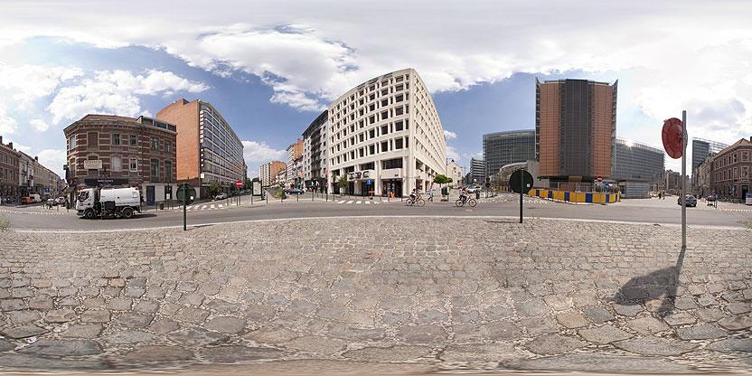 Carrefour entre la rue Stevin, rue Archimède et rue Franklin avec une vue sur la Commission européenne